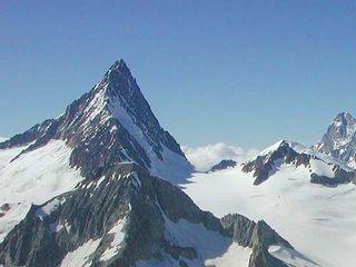 Finsteraarhorn_montagne